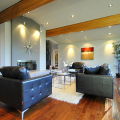 contemporary living room by Revealing Assets - Home Staging Services