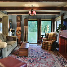 Farmhouse Living Room by Connie Cunningham Designs & B&B