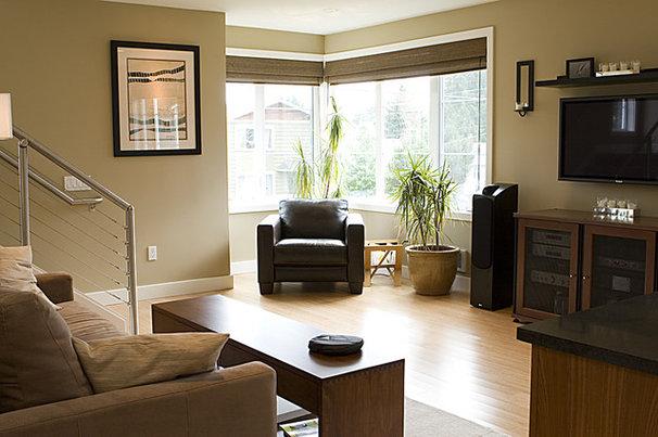 Contemporary Living Room by Logan's Hammer Building & Renovation