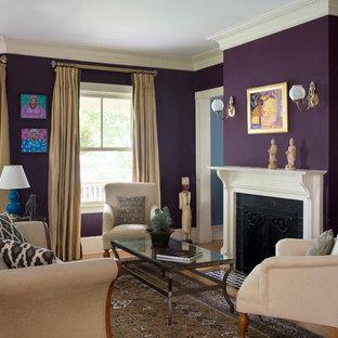 Foto di un soggiorno classico di medie dimensioni e aperto con sala formale, pareti viola, pavimento in legno massello medio, nessuna TV e camino classico