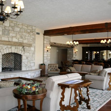 Traditional Family Room by Mark Eric Benner - Architects, Ltd.