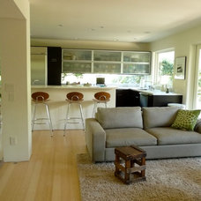Contemporary Living Room by Heydt Designs