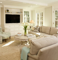 traditional living room by Harry Braswell Inc.
