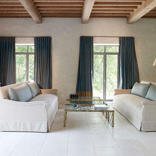 Esempio di un grande soggiorno tradizionale chiuso con sala formale, pavimento in travertino, nessuna TV, pareti beige e pavimento bianco