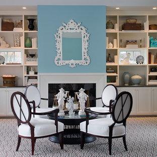 Idéer för att renovera ett mellanstort vintage separat vardagsrum, med ett finrum, blå väggar, heltäckningsmatta, en standard öppen spis, en spiselkrans i trä och grönt golv
