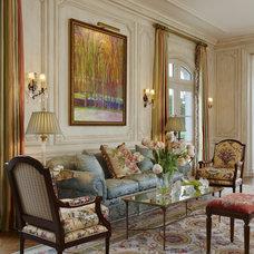 Traditional Living Room by McIntosh Poris Associates