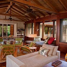 Tropical Living Room by De Jesus Architecture & Design