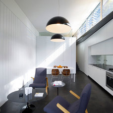 Modern Living Room by Christopher Polly Architect