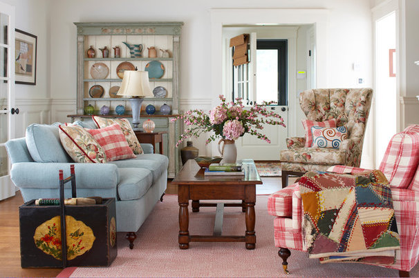 Traditional Living Room by GIL WALSH INTERIORS