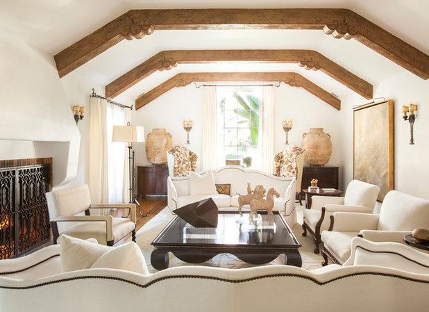 Mediterranean Living Room By Rodrigo Vargas Design