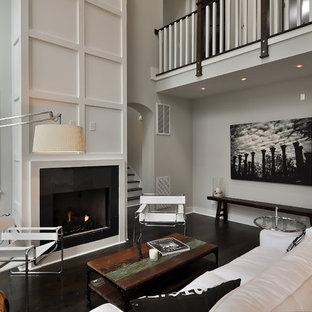Foto de salón actual con paredes grises