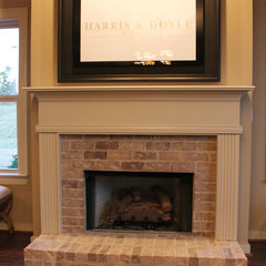 traditional living room by Harris & Doyle Homes