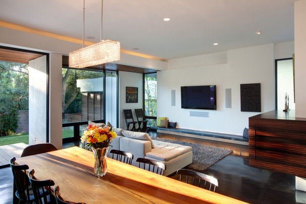 Modern Living Room by Hugh Jefferson Randolph Architects