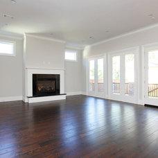 Craftsman Living Room by Brickmoon Design
