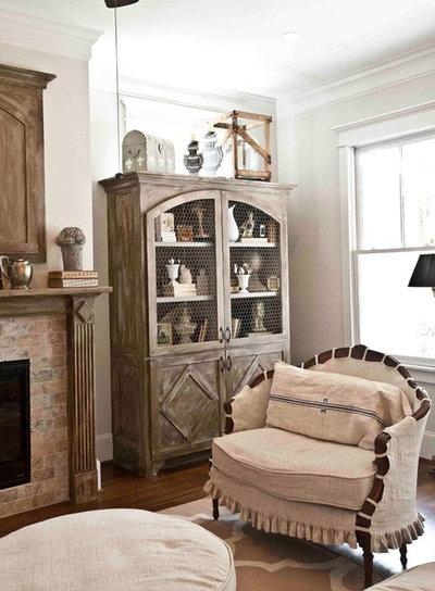 Traditional Living Room by Ridgewater Homes LLC