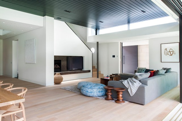Contemporary Living Room by Mafi Australia