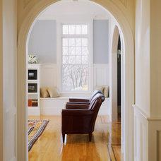 Modern Living Room by Siemasko + Verbridge