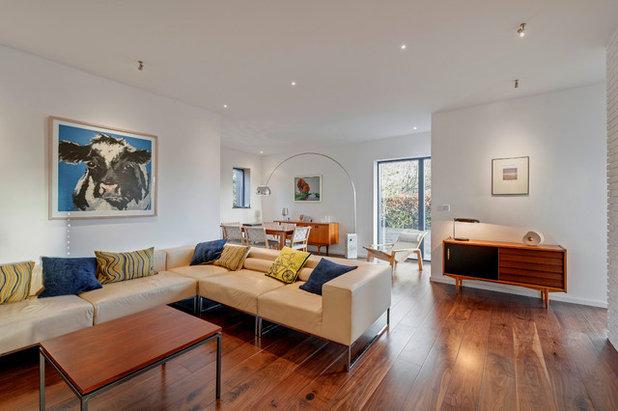 Modern Living Room by van Ellen + Sheryn Architects