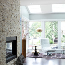 Modern Living Room by Stacy Vazquez-Abrams: Photographer