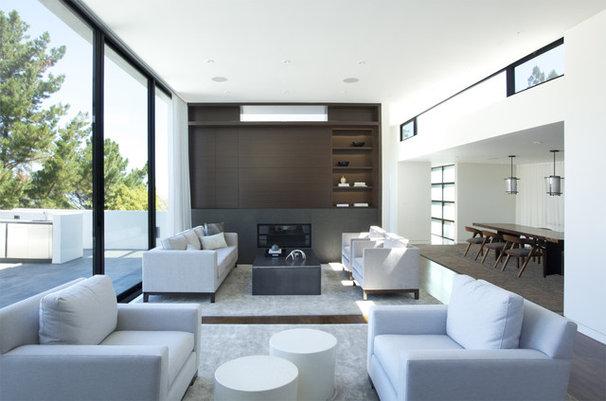 Modern Living Room by MAK Studio