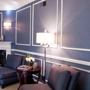 Immagine di un ampio soggiorno classico aperto con sala della musica, pareti blu, moquette, camino classico e cornice del camino piastrellata