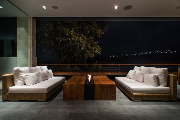 Contemporaneo Soggiorno by RHYZOMA - Arquitectura / Diseño