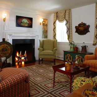 Foto de salón para visitas cerrado, campestre, sin televisor, con paredes blancas y chimenea tradicional