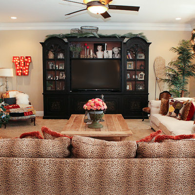 Inspiration for a timeless carpeted living room remodel in Columbus with beige walls