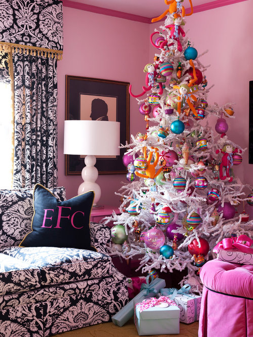 Eclectic Living Room Idea In Little Rock With Pink Walls