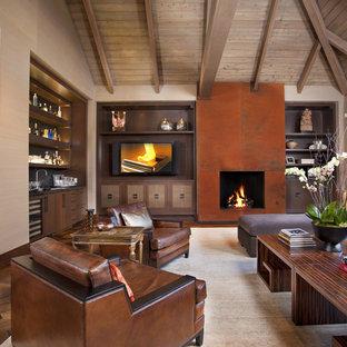 Modernes Wohnzimmer mit dunklem Holzboden, Kamin, Multimediawand und Hausbar in San Diego