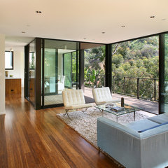 modern living room by Marmol Radziner