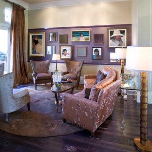 Ejemplo de salón abierto, contemporáneo, de tamaño medio, sin televisor, con paredes beige y suelo de madera oscura