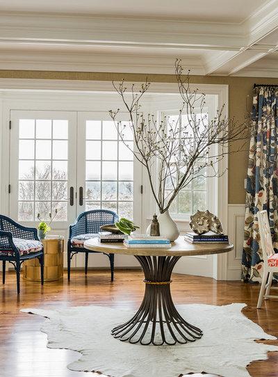 Beach Style Living Room by Katie Rosenfeld Design