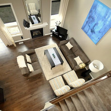 Modern Living Room by Revealing Assets - Home Staging Services