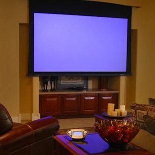 Idee per un soggiorno tradizionale con pareti gialle, moquette, nessun camino e TV a parete