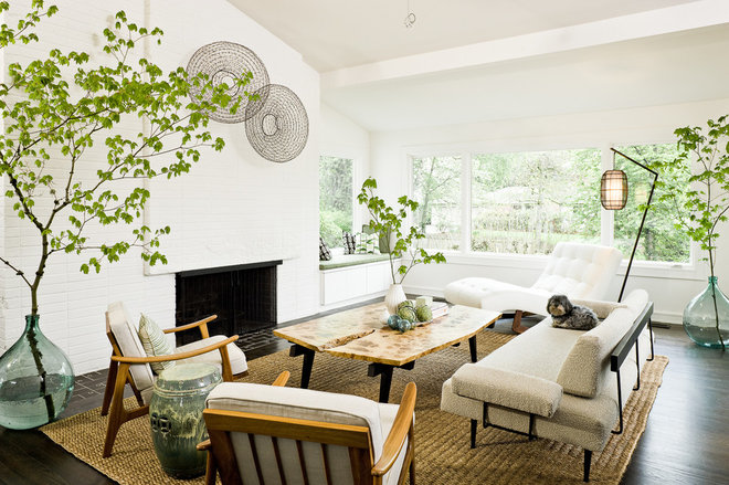 Midcentury Living Room by LINCOLN BARBOUR PHOTO