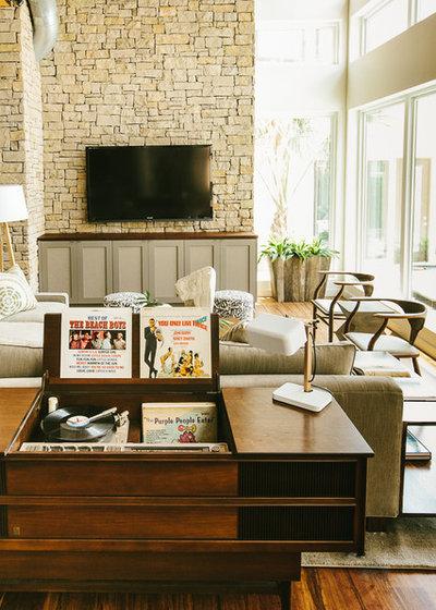 Midcentury Living Room by Matthew Niemann Photography