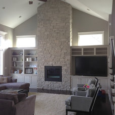 Traditional Living Room by Premier Homes of Illinois, Inc