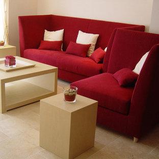 Immagine di un soggiorno minimal con pareti bianche e pavimento in marmo
