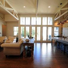 Traditional Living Room by Ecologic-Studio, llc
