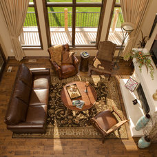 Traditional Living Room by Nies Homes
