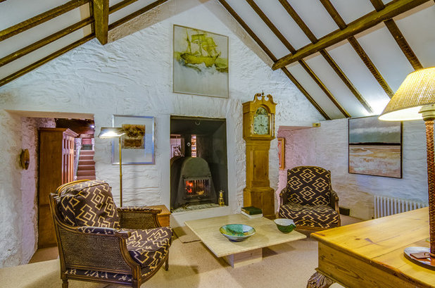 Farmhouse Living Room by Gary Quigg Photography