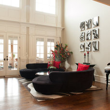 contemporary living room Houzz Tour: At Home In Buckhead