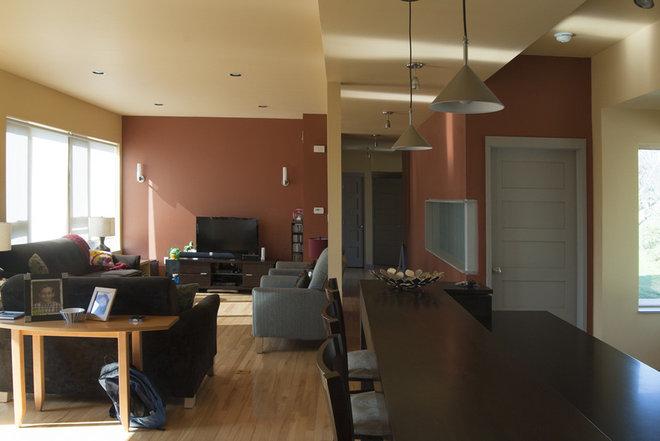 Modern Living Room by Adrienne DeRosa