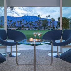 Midcentury Living Room Houzz Tour: Primary Colors in Palm Springs