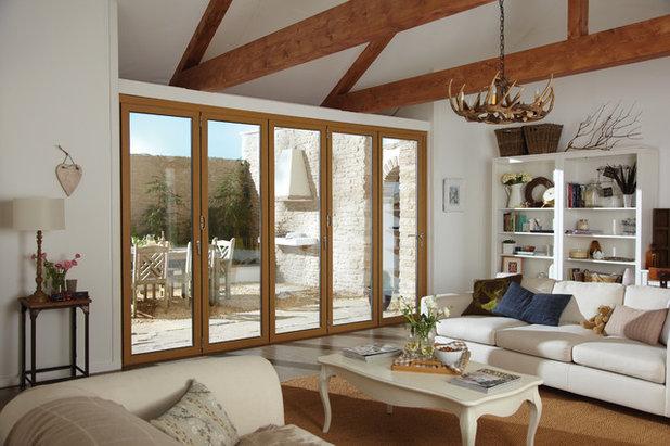 Country Living Room by Instadoor Ltd
