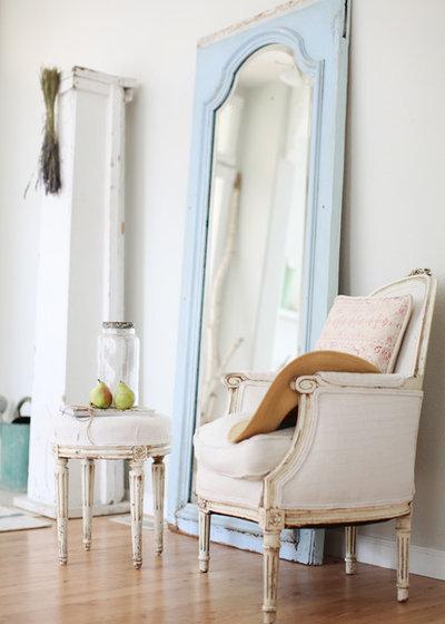 Romantique Salon By Dreamy Whites