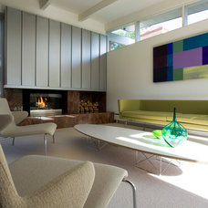 Modern Living Room by roth sheppard architects