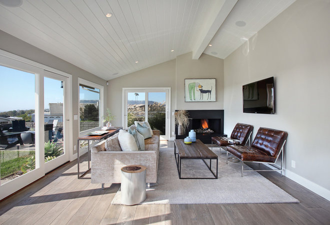 Transitional Living Room by Anders Lasater Architects