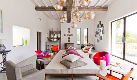 Spanish Houzz: A Holiday Home in Ibiza Plays Host to a Flurry of Guests